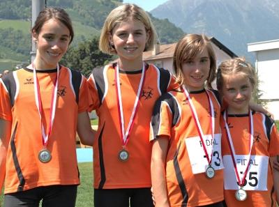 Die erfolgreichen Mädchen des ASC Berg beim Grand Prix in Meran