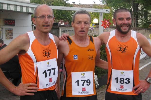 Martin Thalheimer, Peter Riffesser und Alex Oprandi kurz nach dem Zielleinlauf