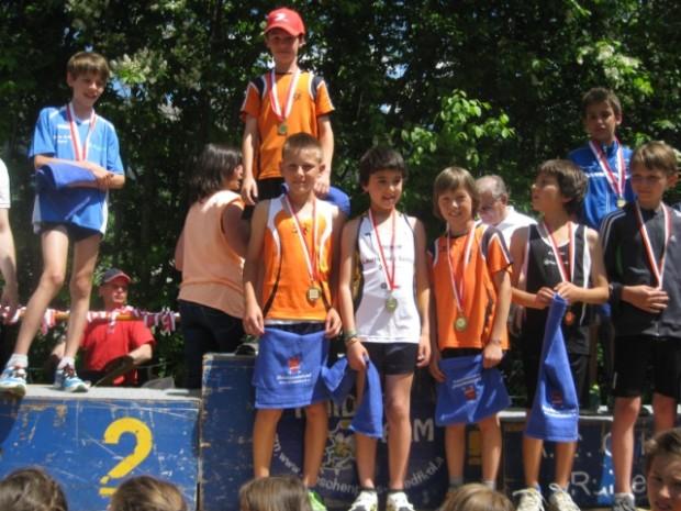 Die Kategorie U12 mit Landesmeister Lukas Sinn nach der Siegerehrung