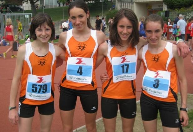 Ein Teil der Mädchenmannschaft in Glurns