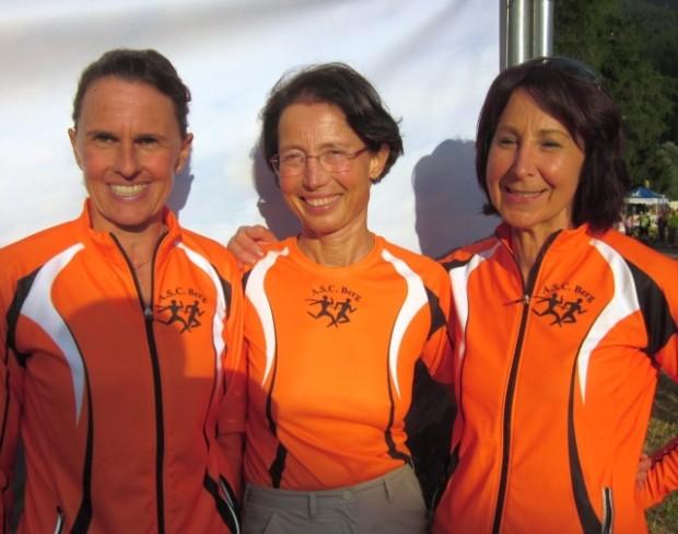 Siegrid Greif, Renate Maoro und Annelies Kofler in lockerer Stimmung nach dem Rennen