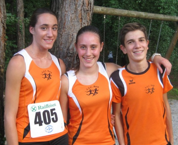 Die drei Goldmedaillenträger Stefanie Auer, Lisa Schrott und Leo Gargitter