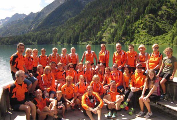 Die Teilnehmer der Vereinsfahrt am Antholzer See