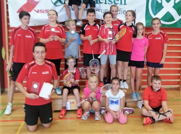 Gruppenbild des ASC Berg Badminton in Brixen