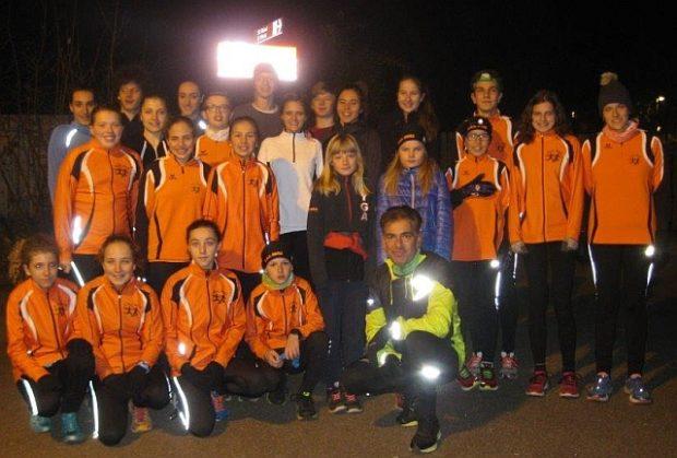 Die Jugendgruppe des ASC Berg beim Abendlauf