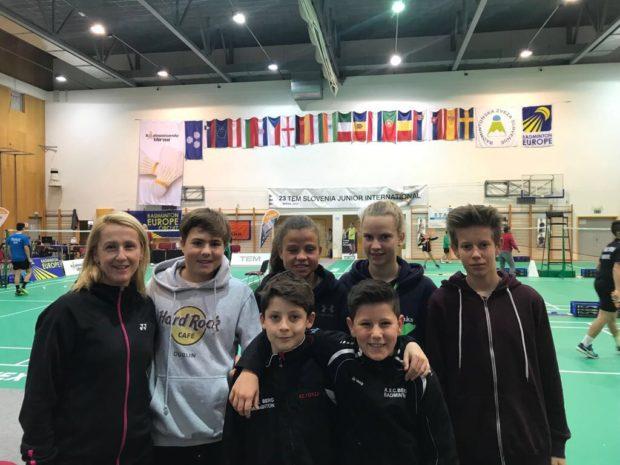 unsere Mannschaft mit Trainerin Erika in Slowenien