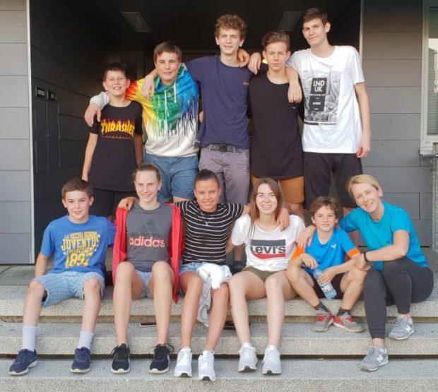 Gruppenfoto mit Trainerin Erika Stich