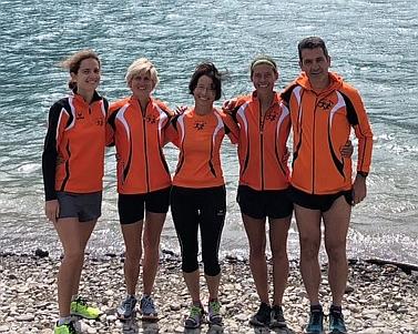 Einige unserer Läufer am Ufer des Reschensees