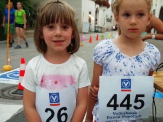 Zwei junge Teilnehmerinnen beim Langen Mittwoch